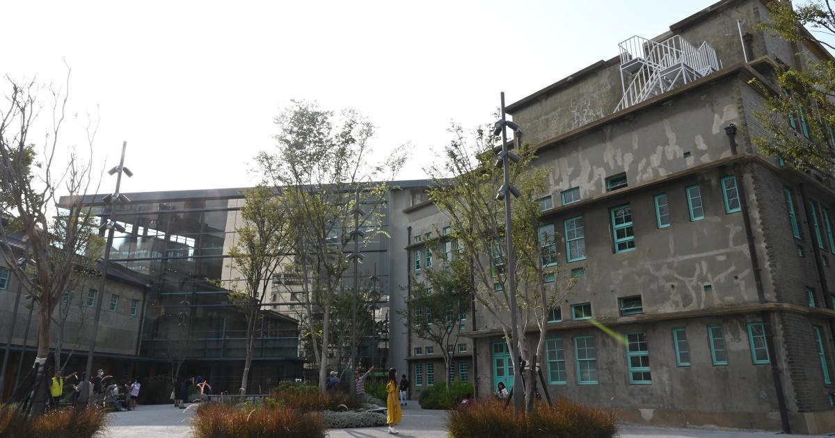 與社區對話「嘉義市立美術館」融合歷史古蹟、現代3棟建築〈辶反風景〉
